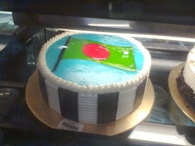 バングラデシュの国旗のケーキ